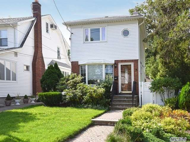Single Family Homes for Sale in North Queens