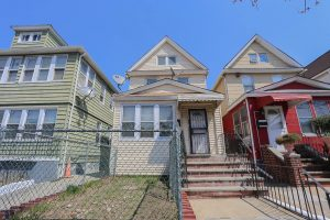 Detached 1 Family House in Jackson Heights Queens